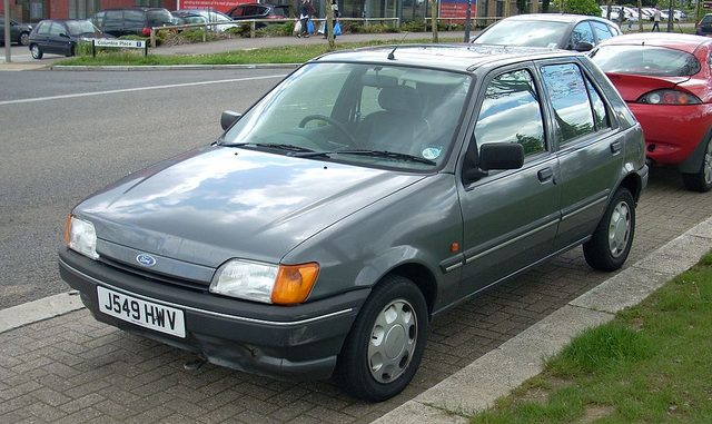 Ford Fiesta 13 1992 Technical specifications  Interior and
