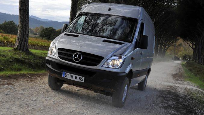 Mercedes benz sprinter 318 2010 technical specifications for Mercedes benz sprinter gas mileage