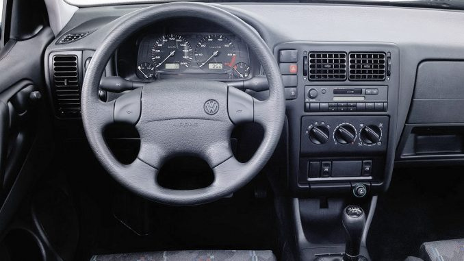 Volkswagen Polo 1.7 1994 Technical specifications | Interior and ...