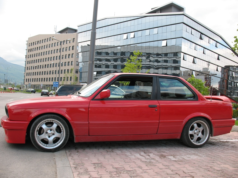 BMW 3 series 318is 1990 photo - 12