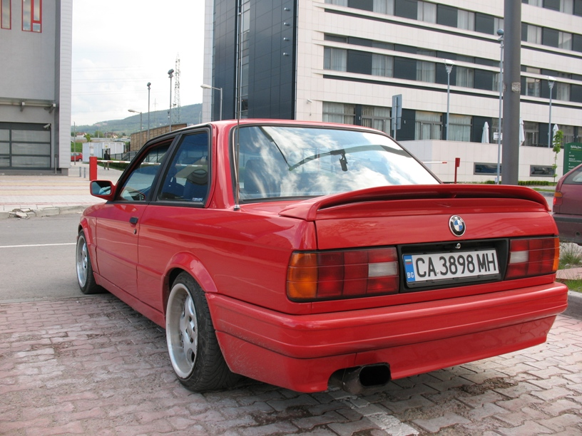 BMW 3 series 318is 1990 photo - 3