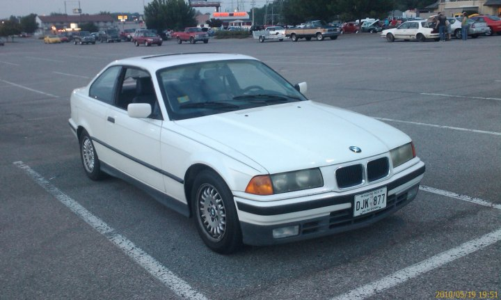 BMW 3 series 318is 1993 photo - 4