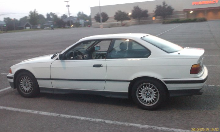BMW 3 series 318is 1993 photo - 8