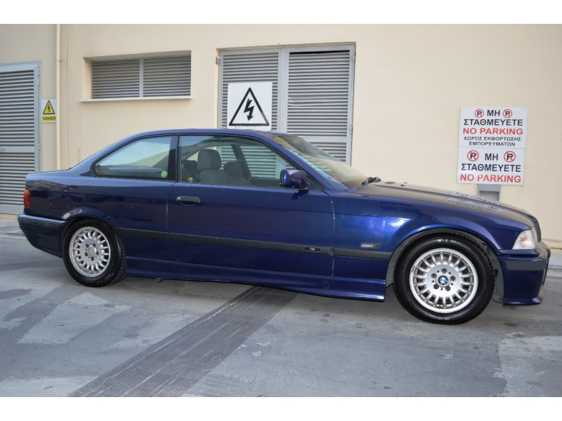 BMW 3 series 318is 1997 photo - 2