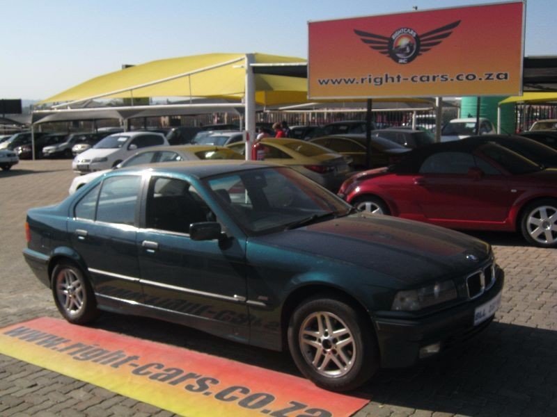 BMW 3 series 318is 1997 photo - 8