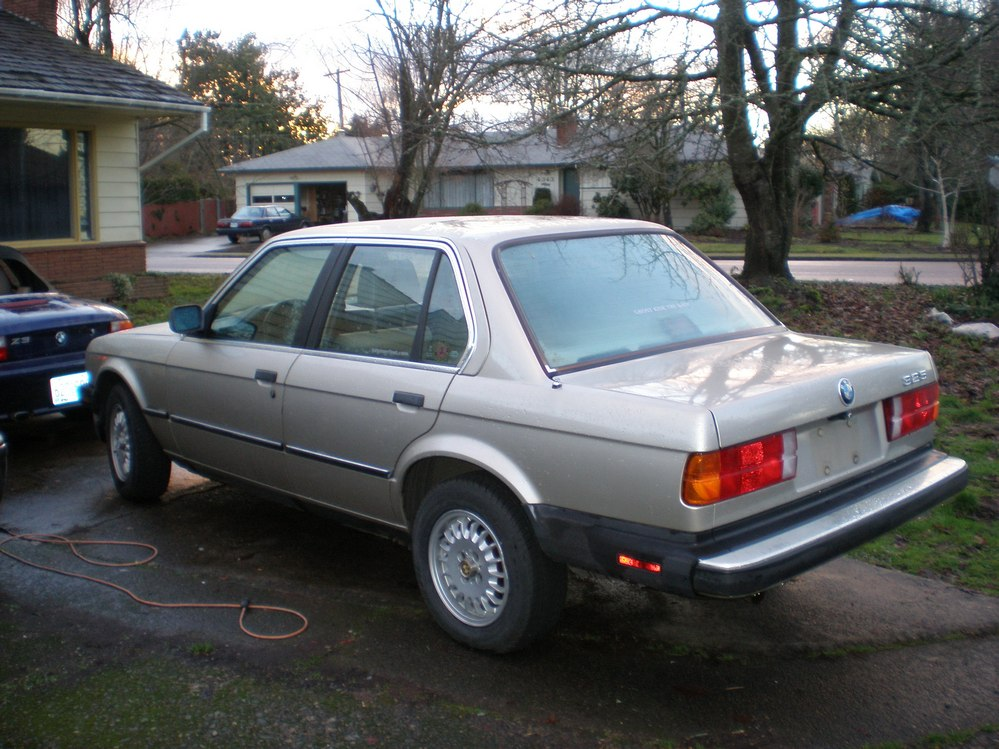 bmw 3 series 320i 1986 technical specifications interior. Black Bedroom Furniture Sets. Home Design Ideas