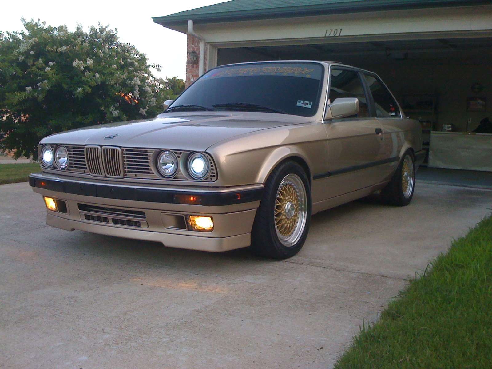 BMW 3 series 325is 1991 photo - 10