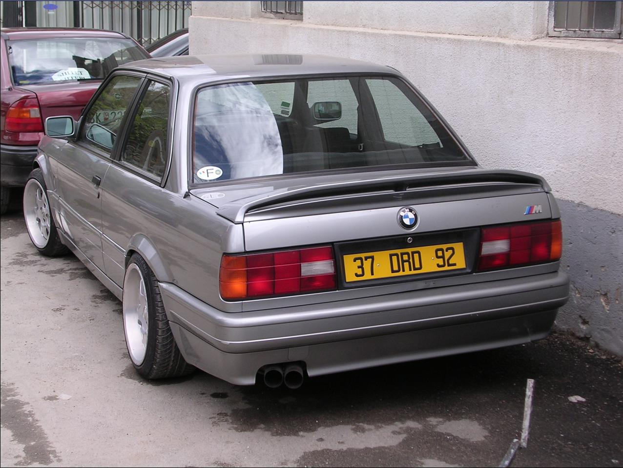 BMW 3 series 325is 1991 photo - 12