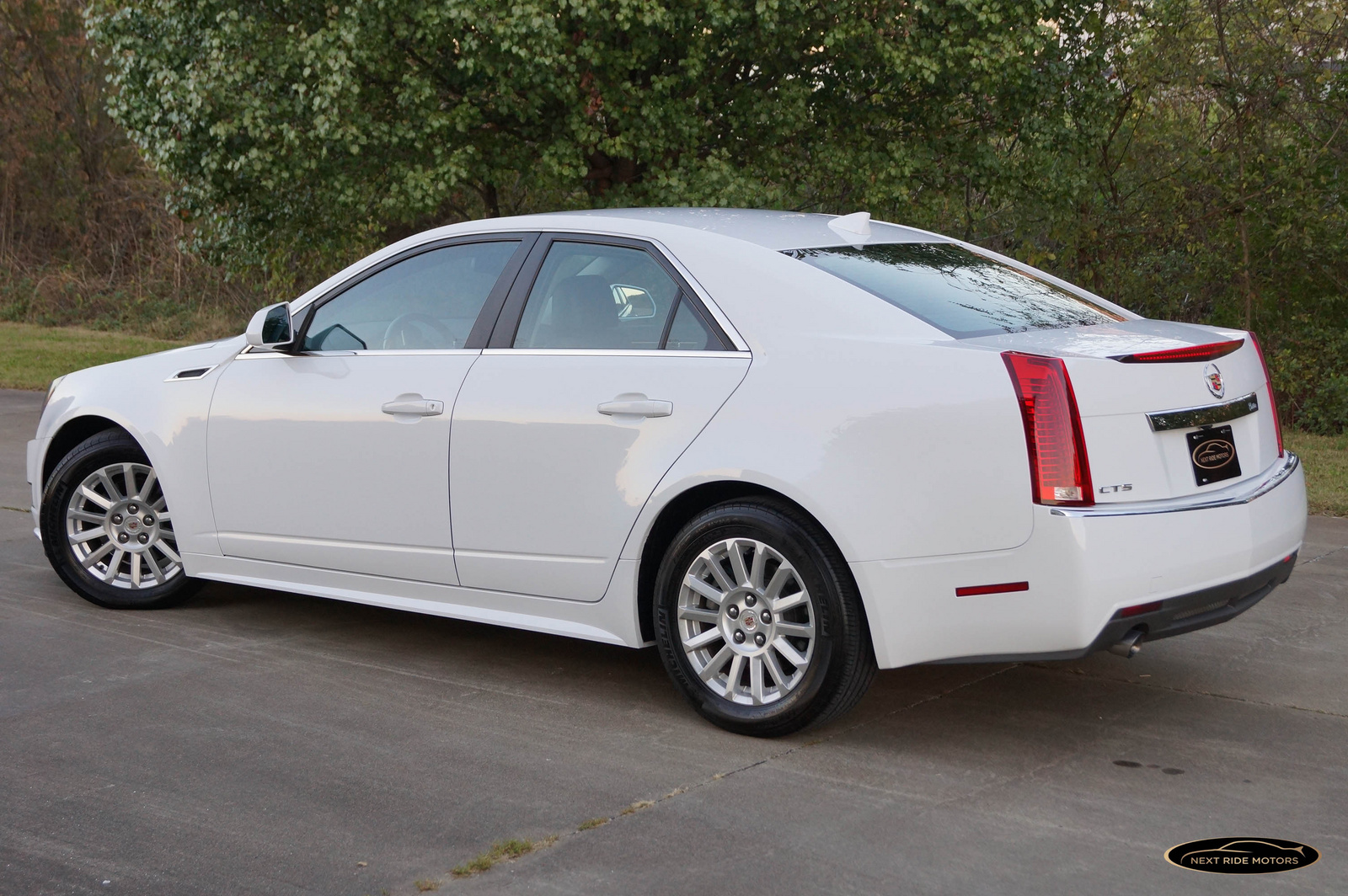 Cadillac Cts 6 0i 2012 Technical Specifications