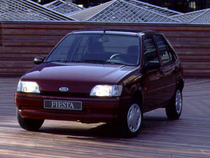 Ford Fiesta 1.3i 1989 photo - 4