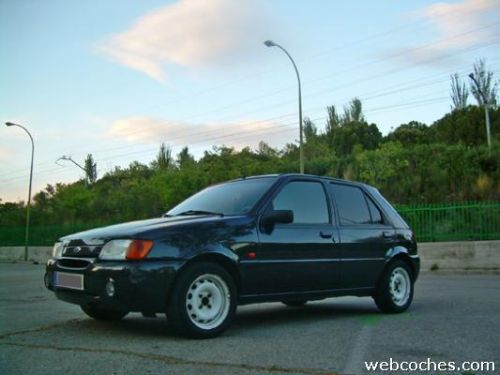 Ford Fiesta 1.6i 1995 photo - 6