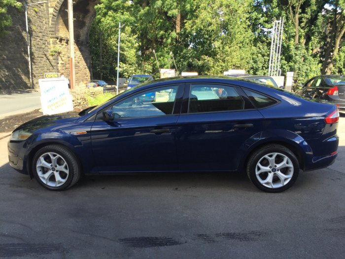 Ford Mondeo 2.0 1995 photo - 12