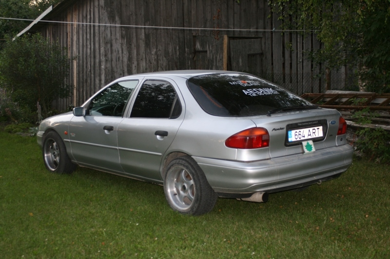 Ford Mondeo 2.0 1995 photo - 2