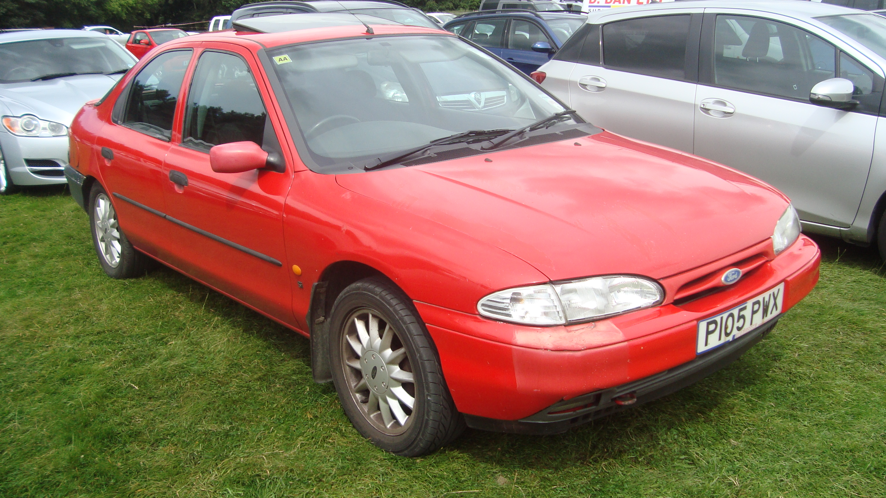 Ford Mondeo 2.0 1996 photo - 7