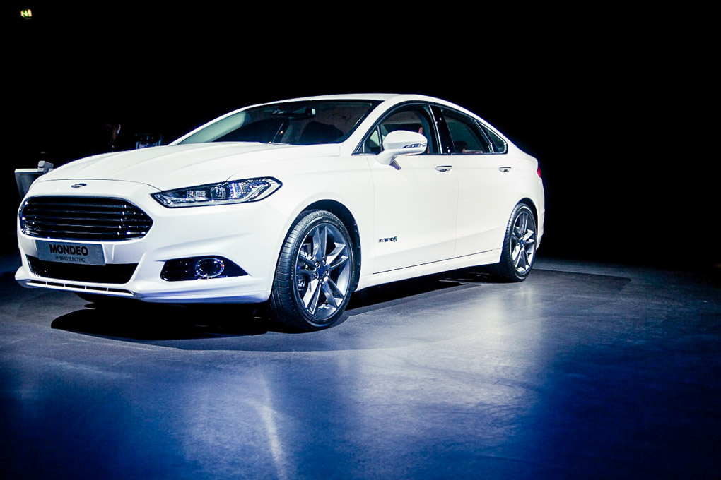 Ford Mondeo 2.3 2013 photo - 12