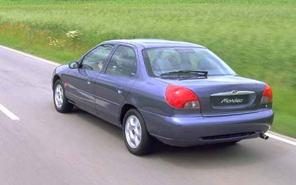 Ford Mondeo 2.5 1993 photo - 4