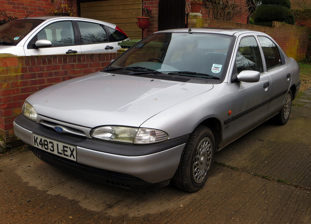 Ford Mondeo 2.5 1993 photo - 6