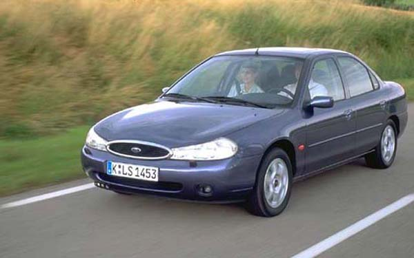Ford Mondeo 2.5 1993 photo - 9