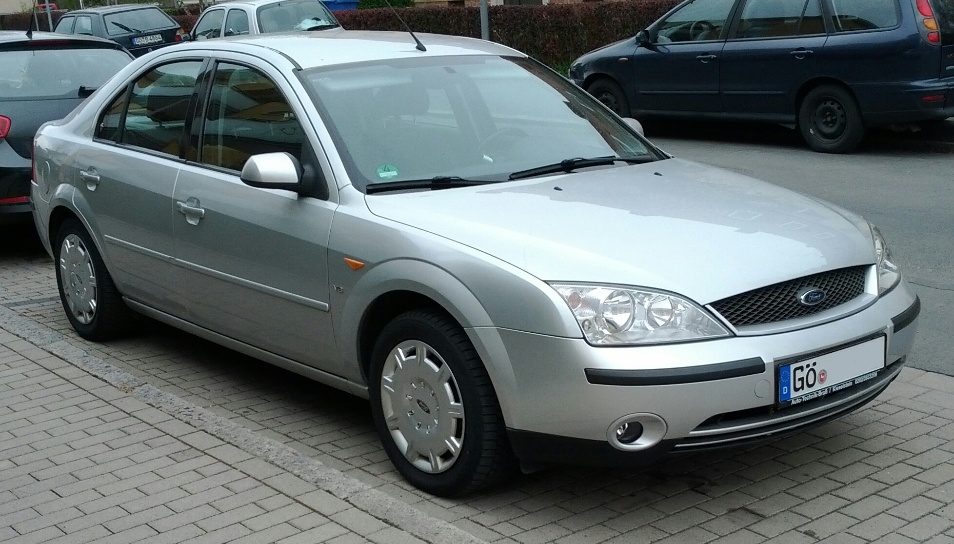 Ford Mondeo 2.5 2001 photo - 11