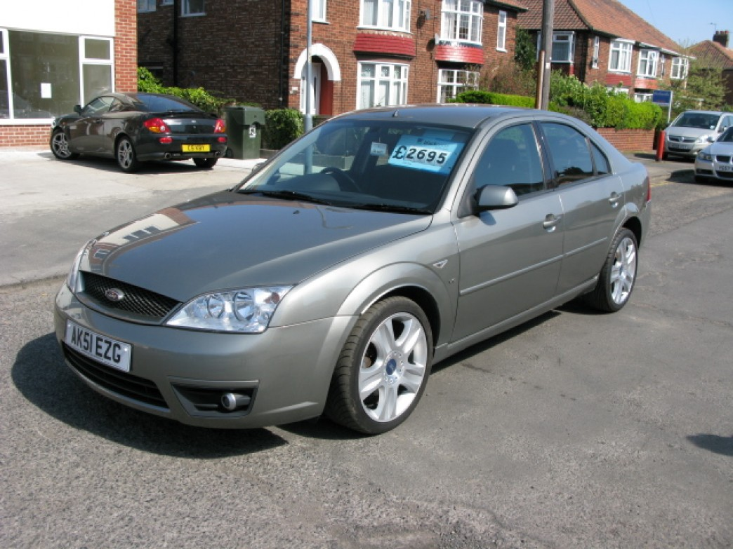 Ford Mondeo 2.5 2001 photo - 7