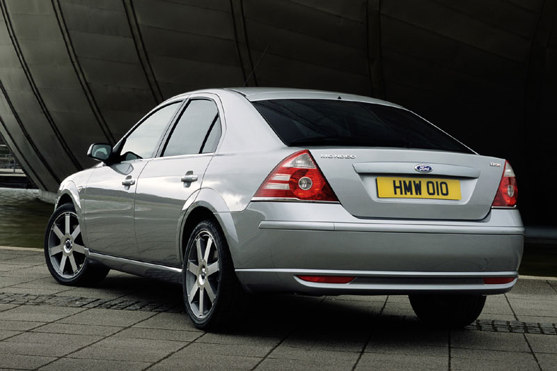 Ford Mondeo 3.0 2006 photo - 11