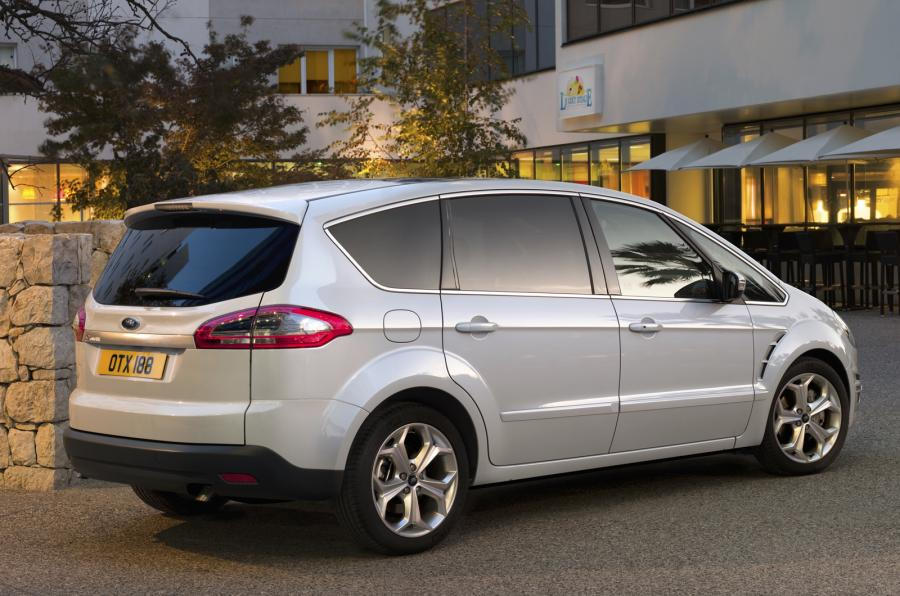 Ford S-Max 2.0 2006 photo - 2