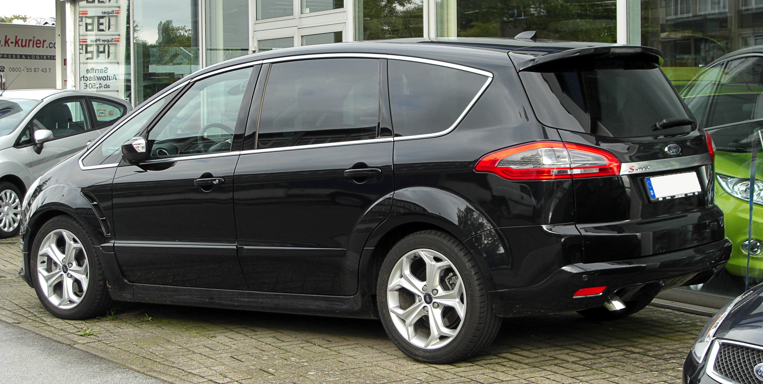 Ford S-Max 2.0 2010 photo - 3