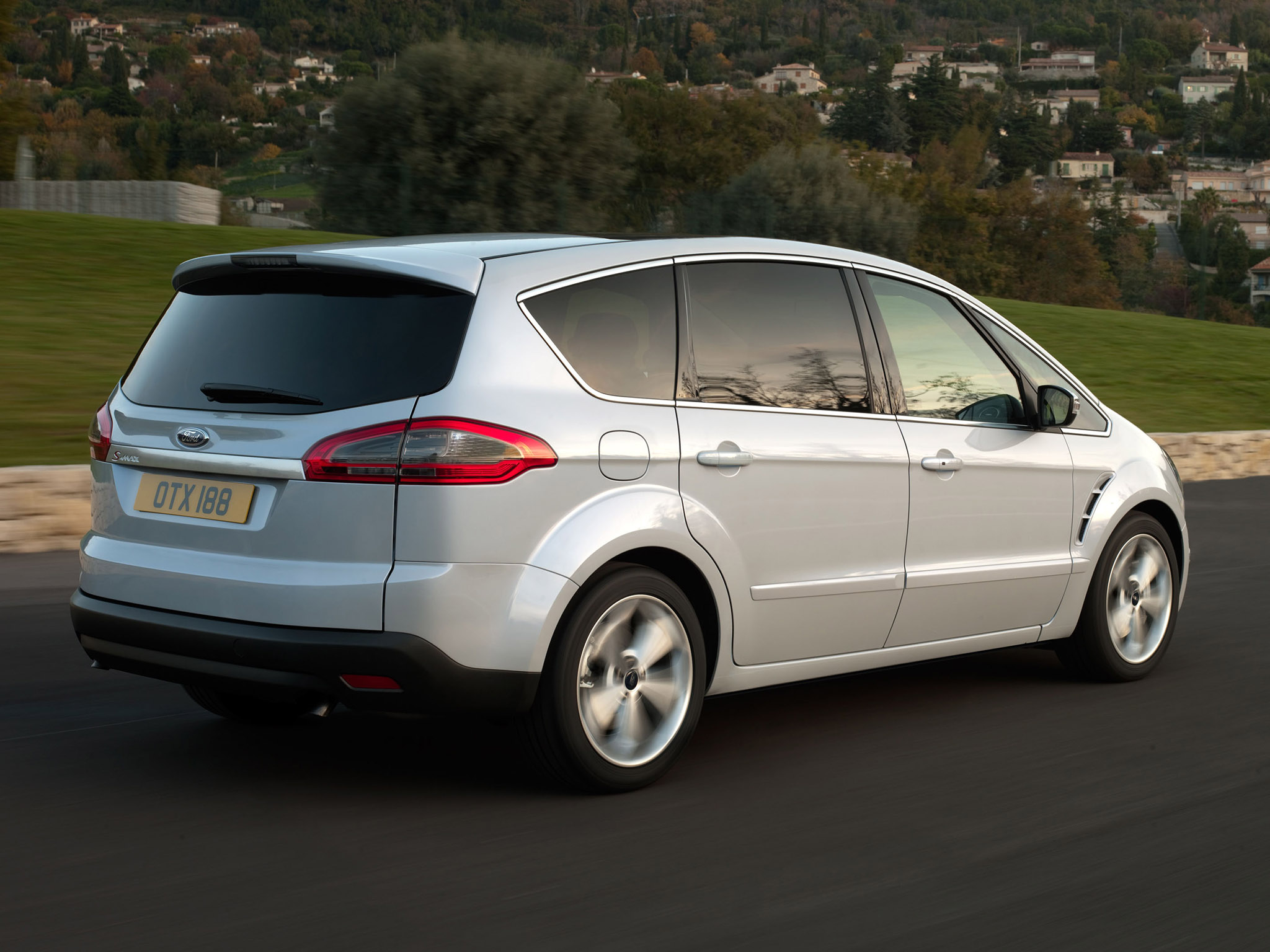 Ford S-Max 2.0 2010 photo - 6