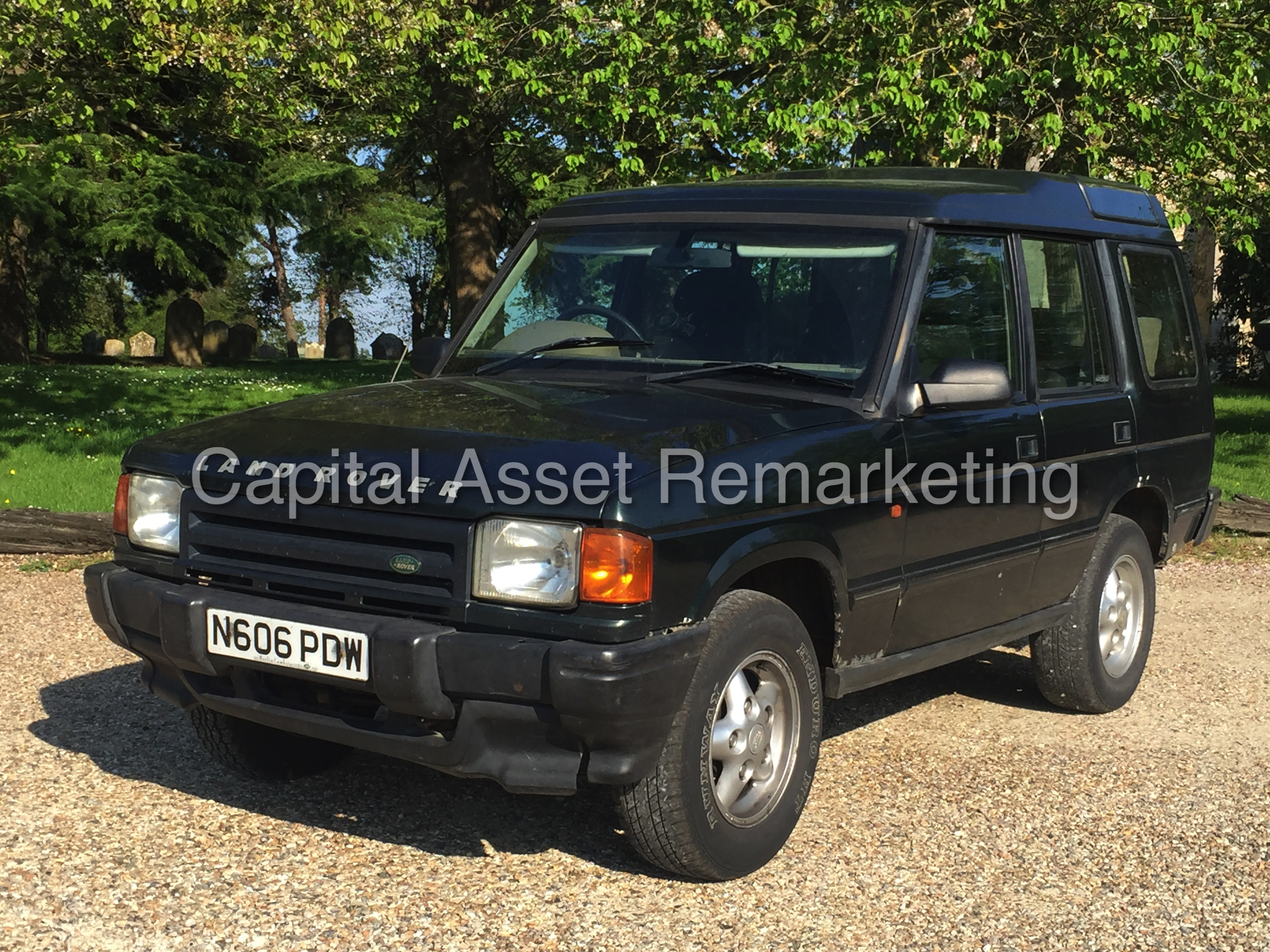 Land Rover Discovery 2.0 1996 photo - 4