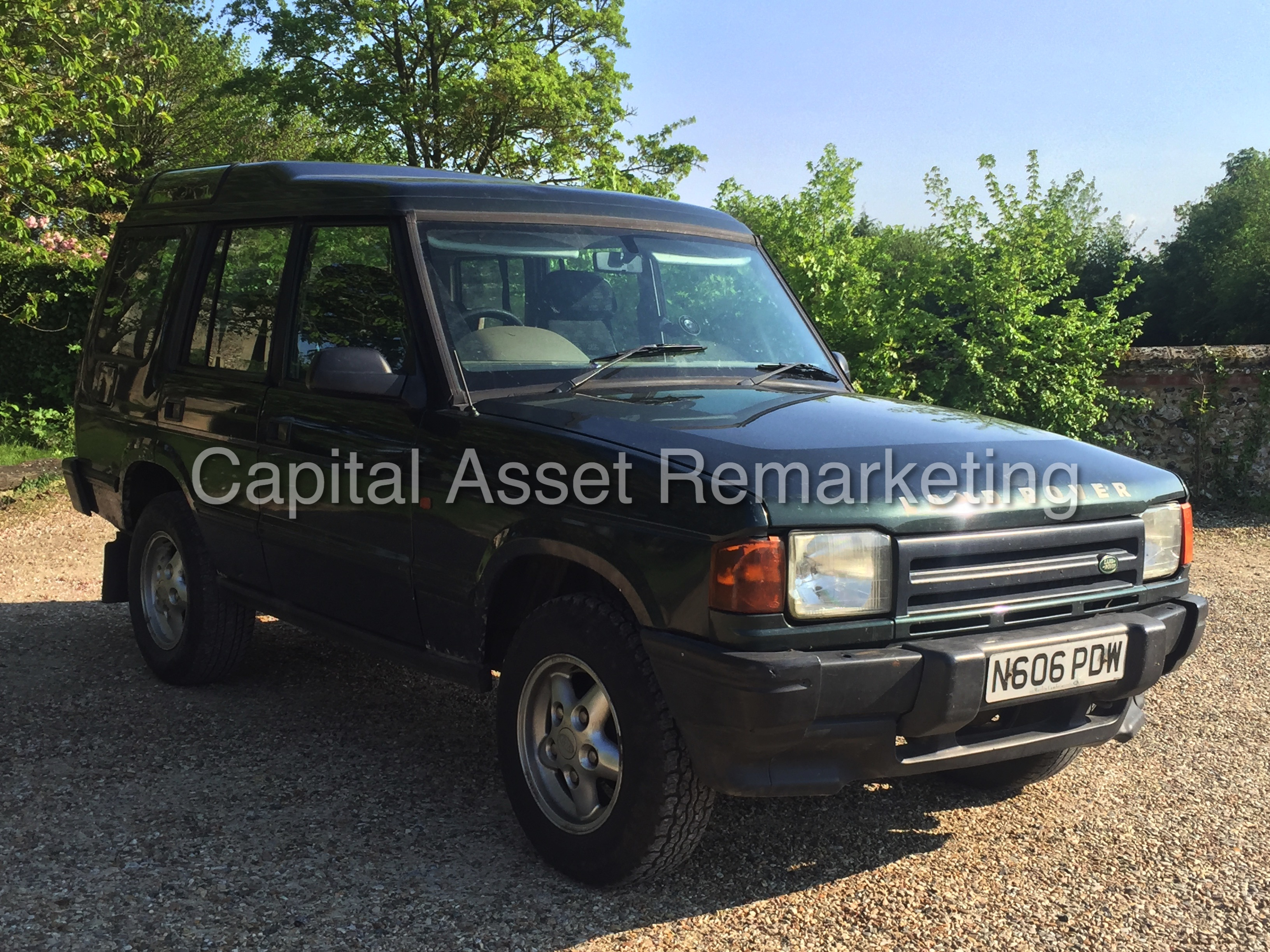 Land Rover Discovery 2.0 1996 photo - 9