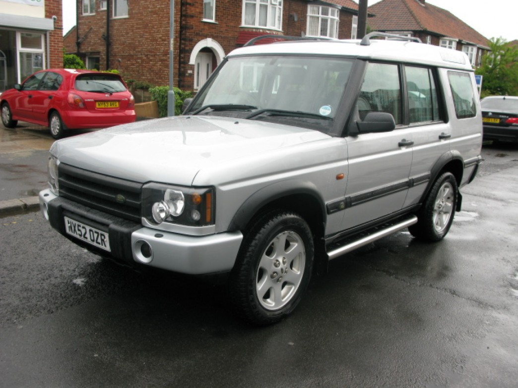Land Rover Discovery 2.5 2002 photo - 12