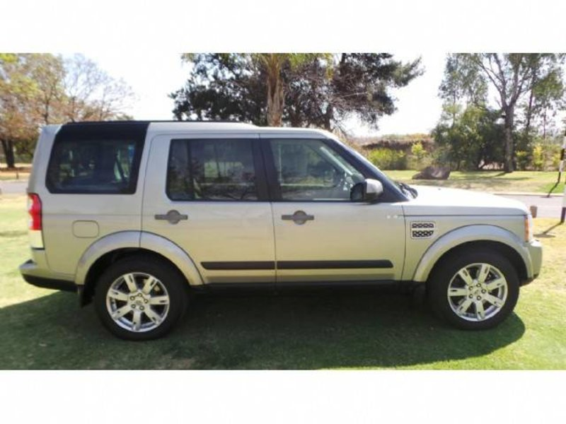 Land Rover Discovery 3.0 2010 photo - 10