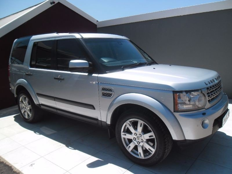 Land Rover Discovery 3.0 2010 photo - 11