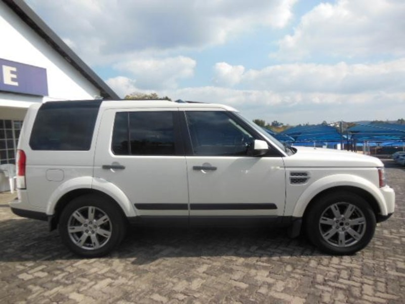 Land Rover Discovery 3.0 2010 photo - 3