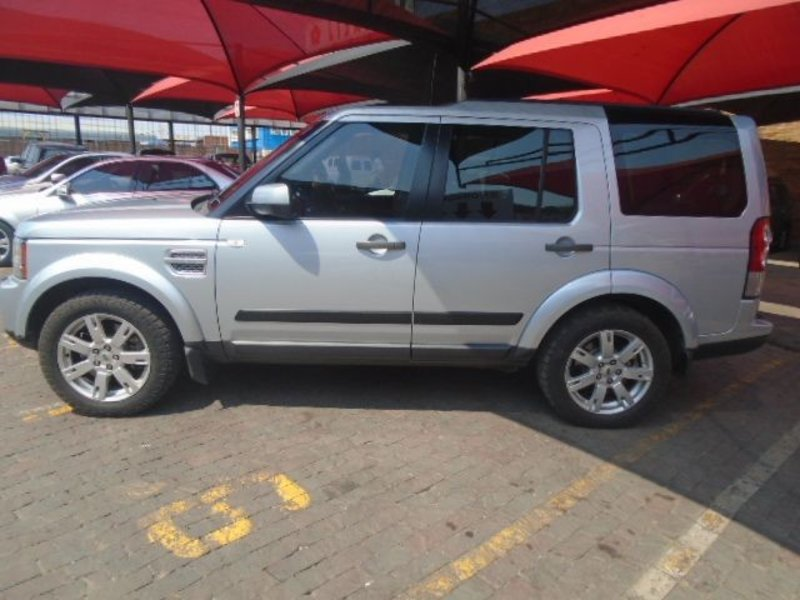 Land Rover Discovery 3.0 2010 photo - 6