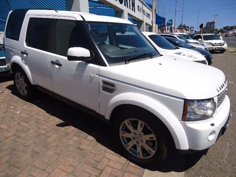 Land Rover Discovery 3.0 2010 photo - 8