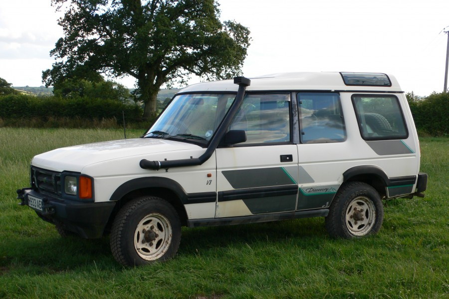 Land Rover Discovery 3.9 1994 photo - 12