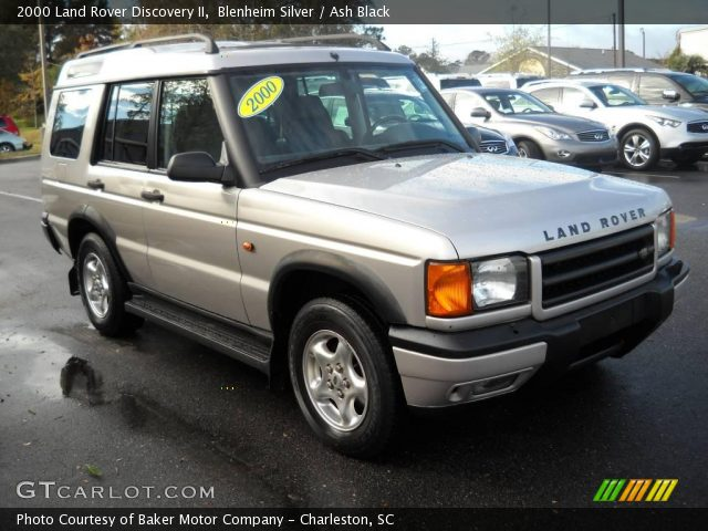 Land Rover Discovery 4.0 2000 photo - 9