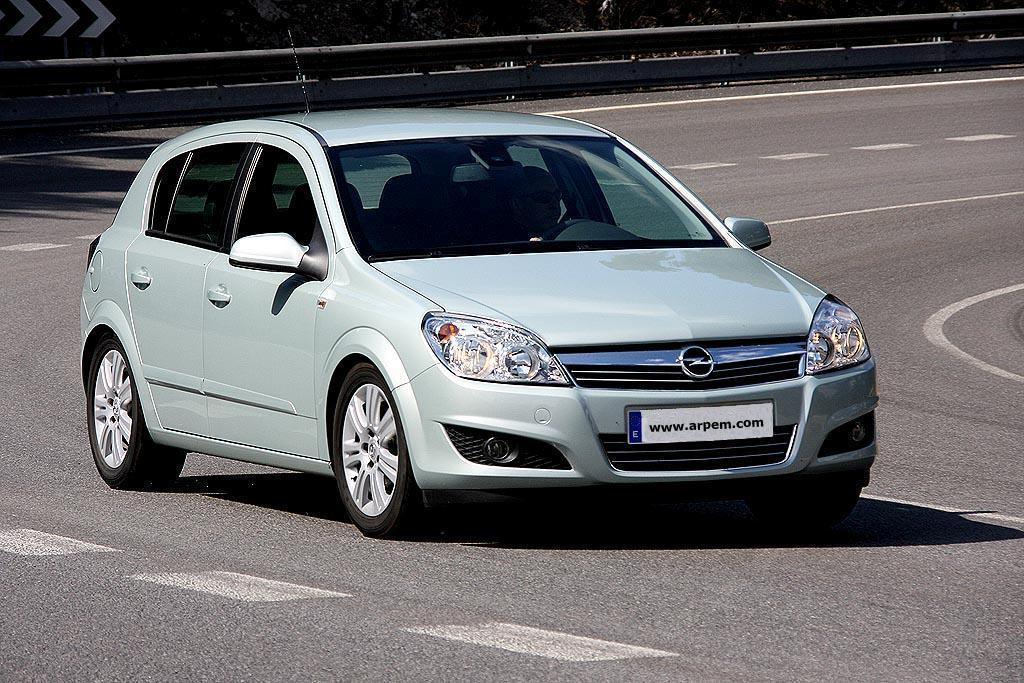 Opel Astra 1.7 2009 photo - 5