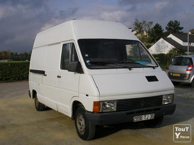 Acadia For Sale >> Renault Trafic 2.5 1985 Technical specifications ...