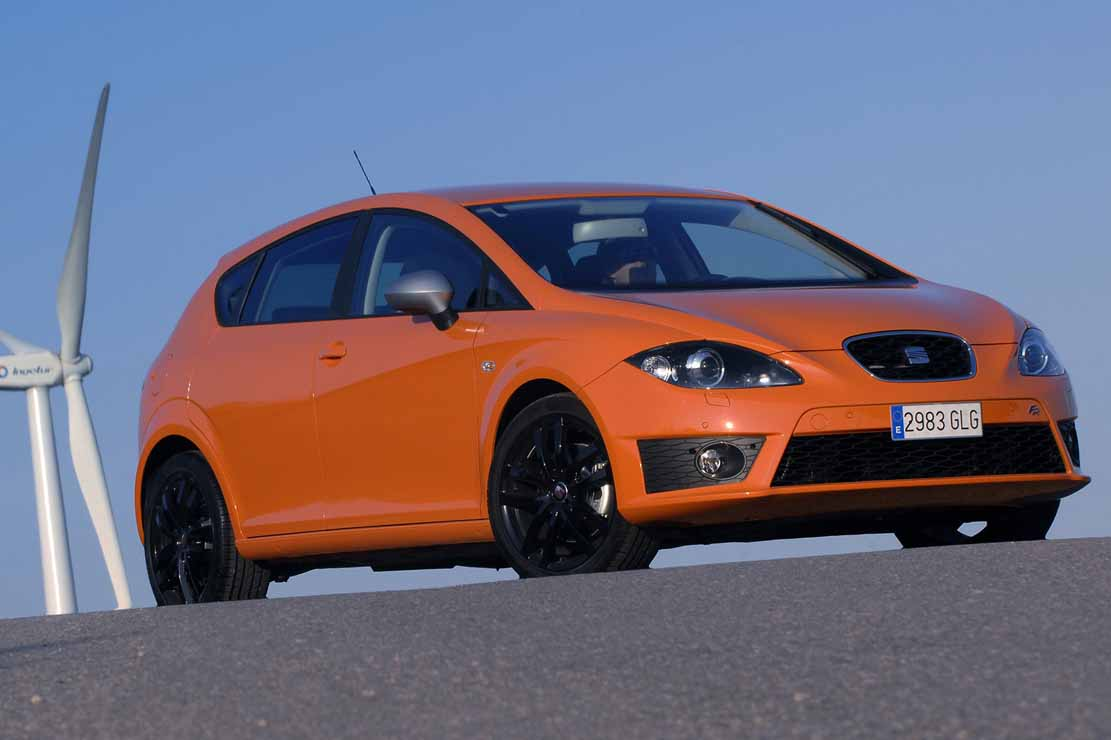 seat leon 1 6 2011 technical specifications interior and. Black Bedroom Furniture Sets. Home Design Ideas