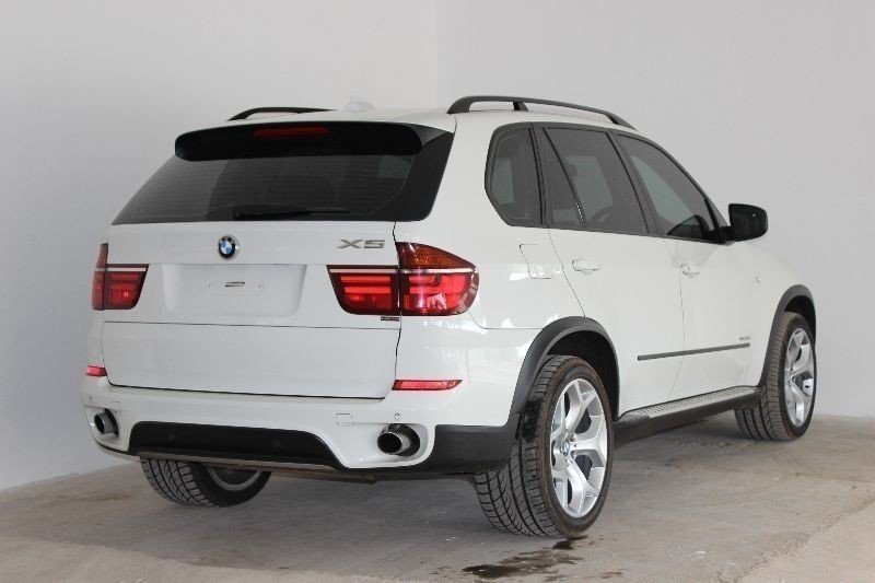 bmw x5 2010 technical specifications interior and. Black Bedroom Furniture Sets. Home Design Ideas