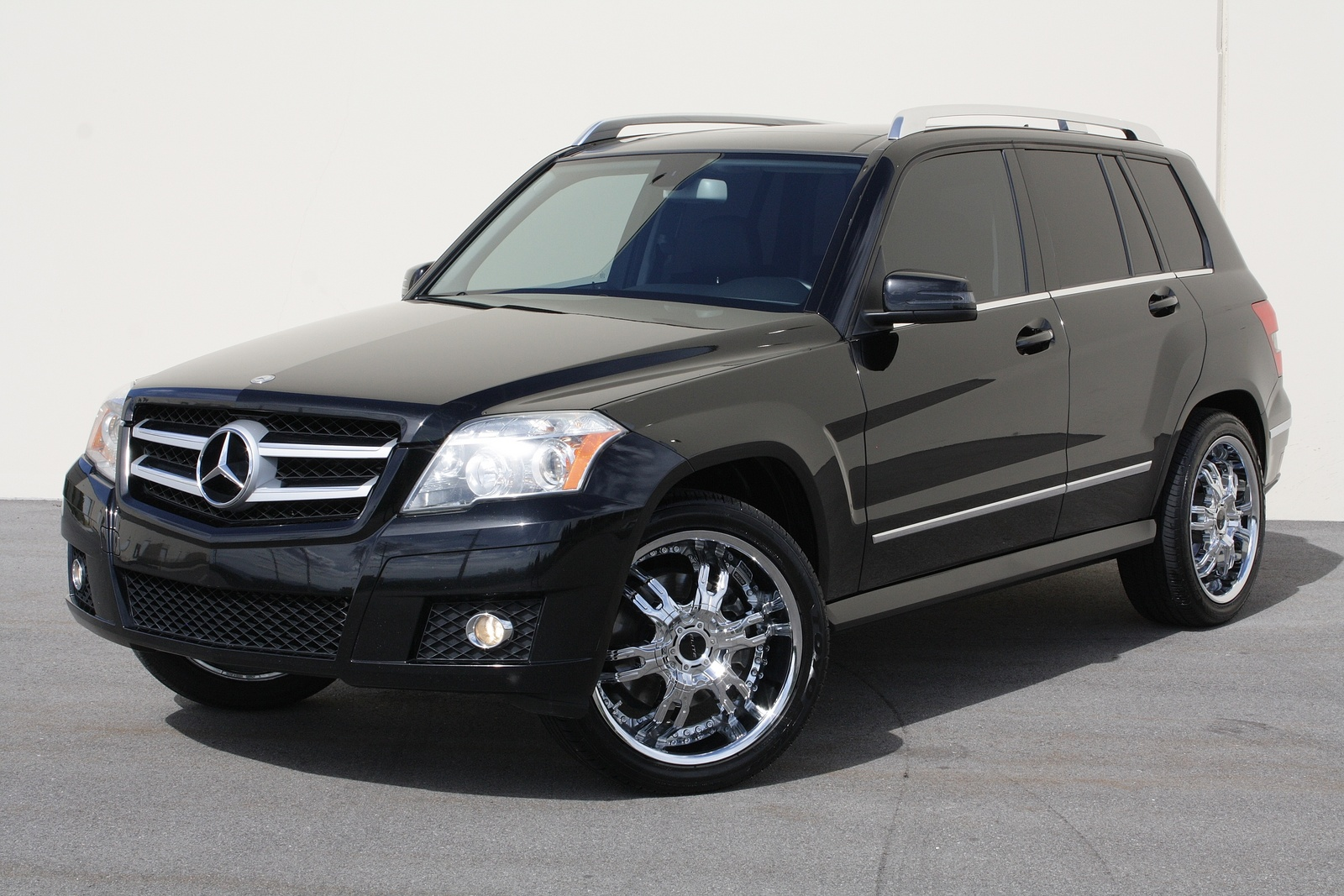 mercedes benz glk glk 2010 technical specifications interior and exterior photo. Black Bedroom Furniture Sets. Home Design Ideas