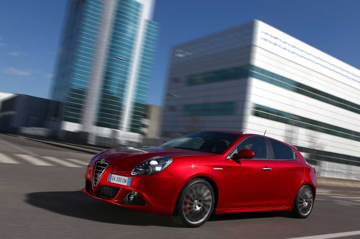 Alfa Romeo Giulietta 1.4 2011 photo - 1