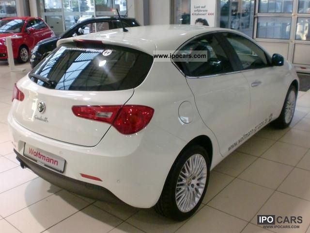 Alfa Romeo Giulietta 1.4 2011 photo - 10