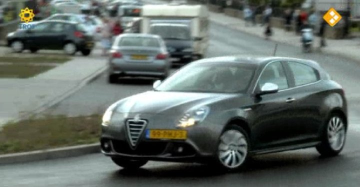 Alfa Romeo Giulietta 1.4 2011 photo - 11