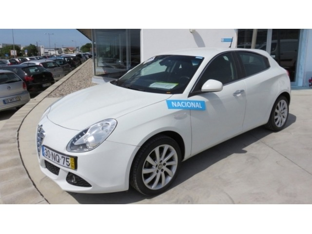Alfa Romeo Giulietta 1.6 2006 photo - 11