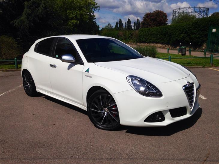 Alfa Romeo Giulietta 1.8 2010 photo - 2