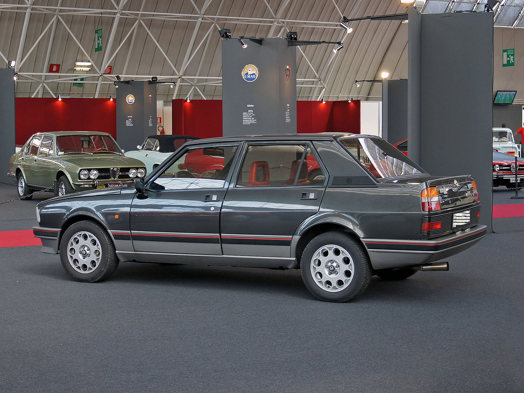 Alfa Romeo Giulietta 2.0 1984 photo - 12