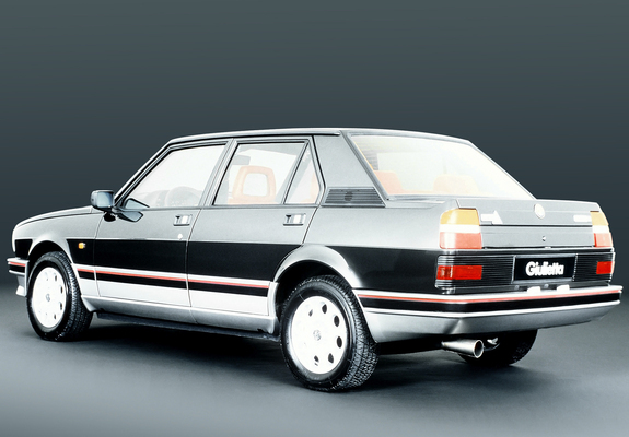 Alfa Romeo Giulietta 2.0 1985 photo - 5